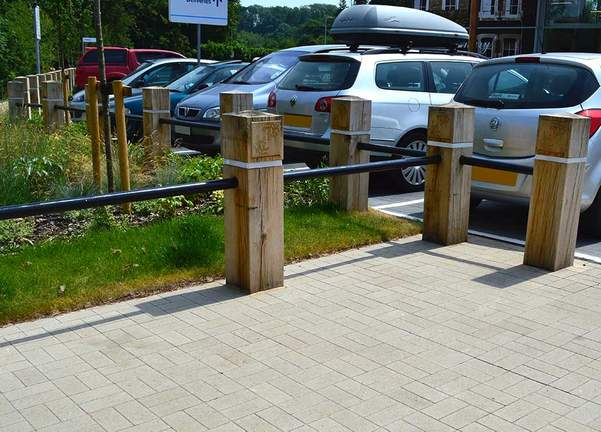 Timber bollards hardwood bollards timber oak posts oak bollards